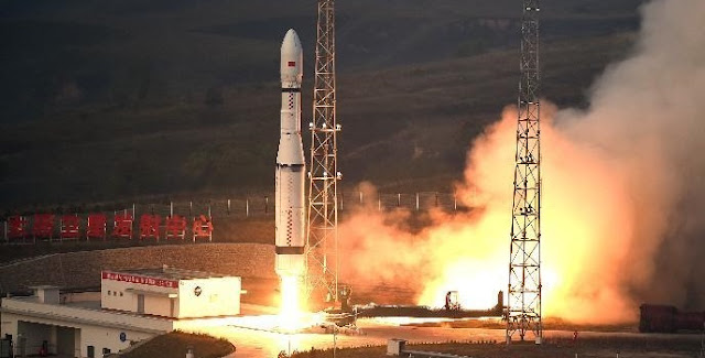 Long March 6 launch on September 20, 2015. Credit: Xinhua / Yan Yan