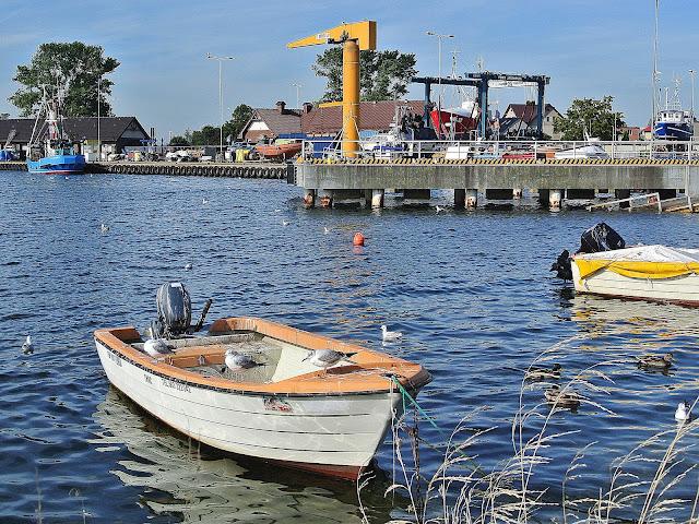 łodzie, mewy, Zatoka Pucka, czyste plaże