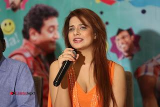 Actress Saloni Aswani Pos in Short Dress at Meelo Evaru Koteeswarudu Movie Interview  0311.JPG