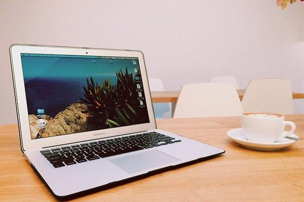 Spesifikasi MacBook Air