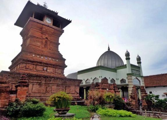 Akulturasi Islam Dalam Bidang Seni Bangunan Dan Arsitektur Bangunan