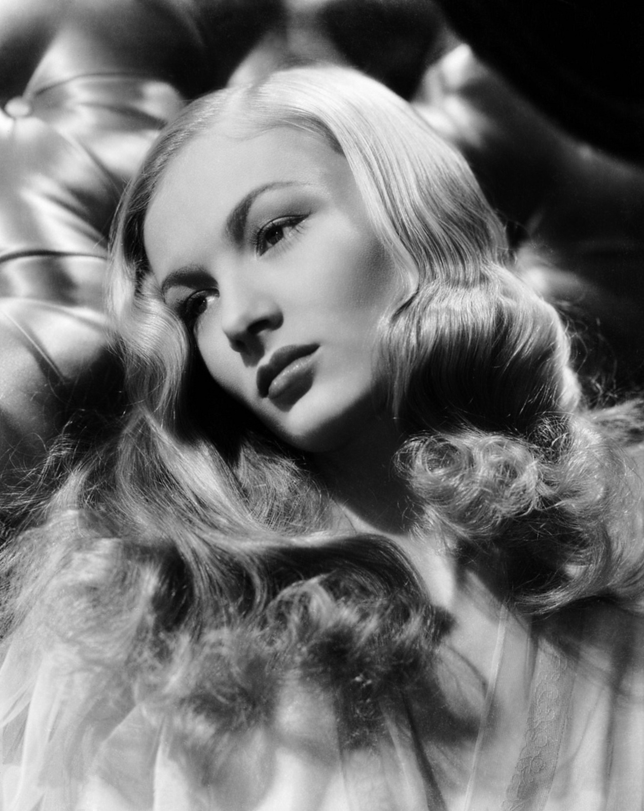 Noir and Chick Flicks: Battle of the Blondes: Veronica ...  Noir and Chick ...