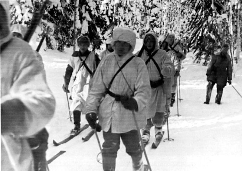 9 December 1939 worldwartwo.filminspector.com Finnish ski troops