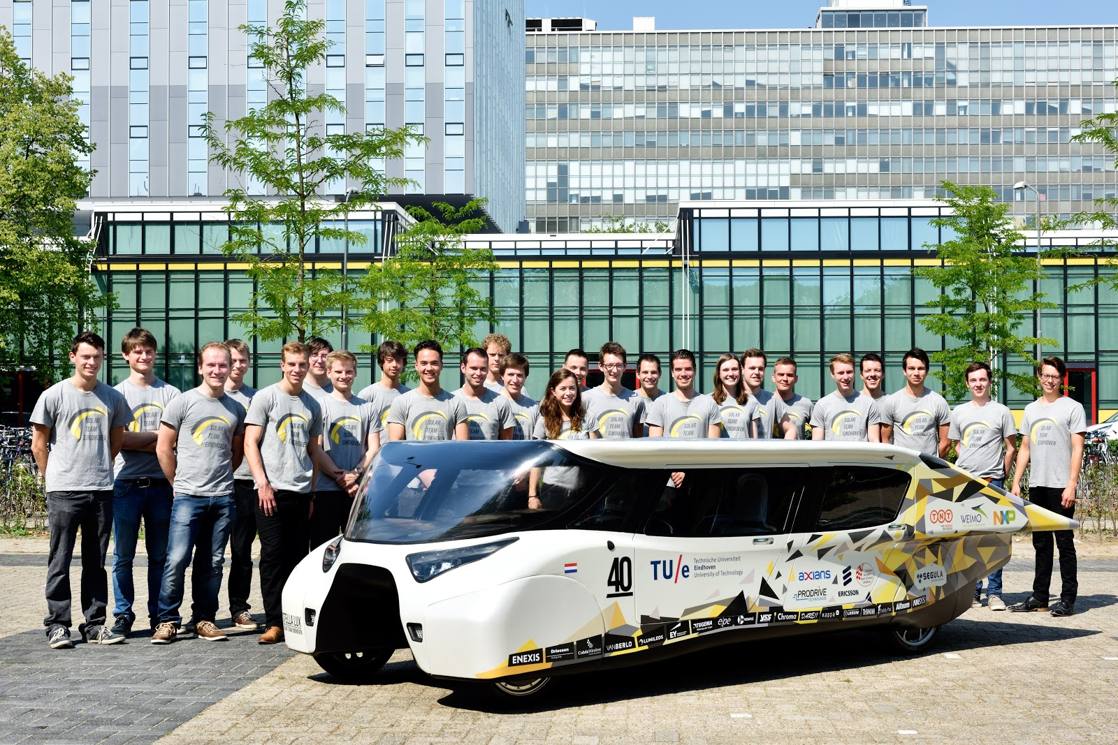 Stella Lux - A solar powered family car invented by a team of Dutch ...