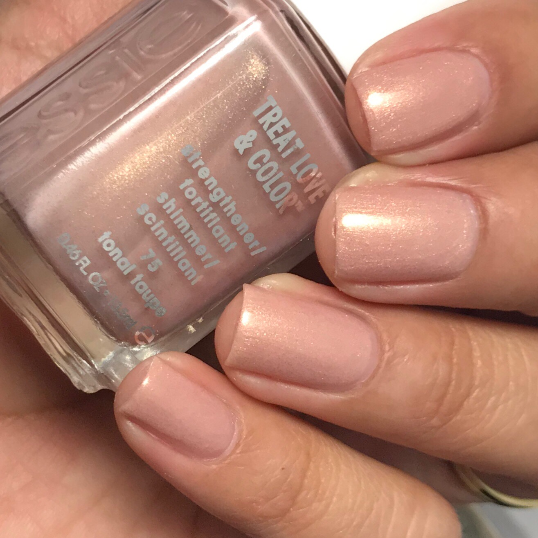 Ana\'s Manis: Essie Nail Polish: Treat Love & Color Part 1