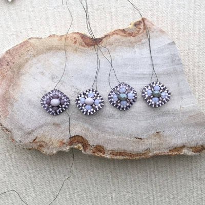 Miguel Ases style Beadwork baubles - scallop shape using Brick Stitch: Lisa Yang's Jewelry Blog