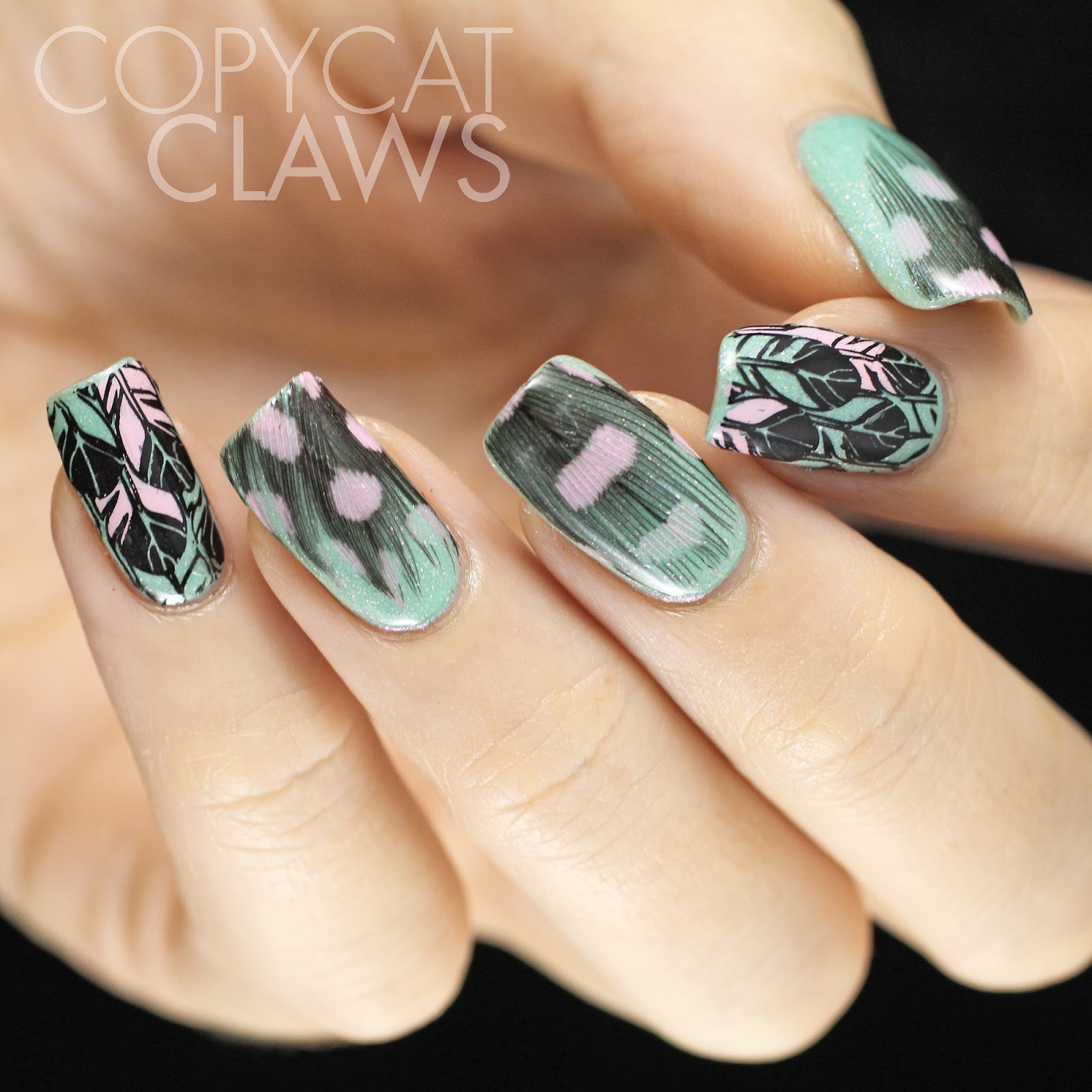 Copycat Claws: Real Feather Nail Art