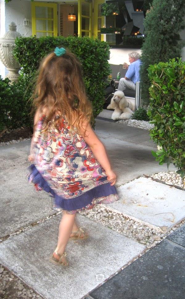 Dancing little W beauty by sw blog