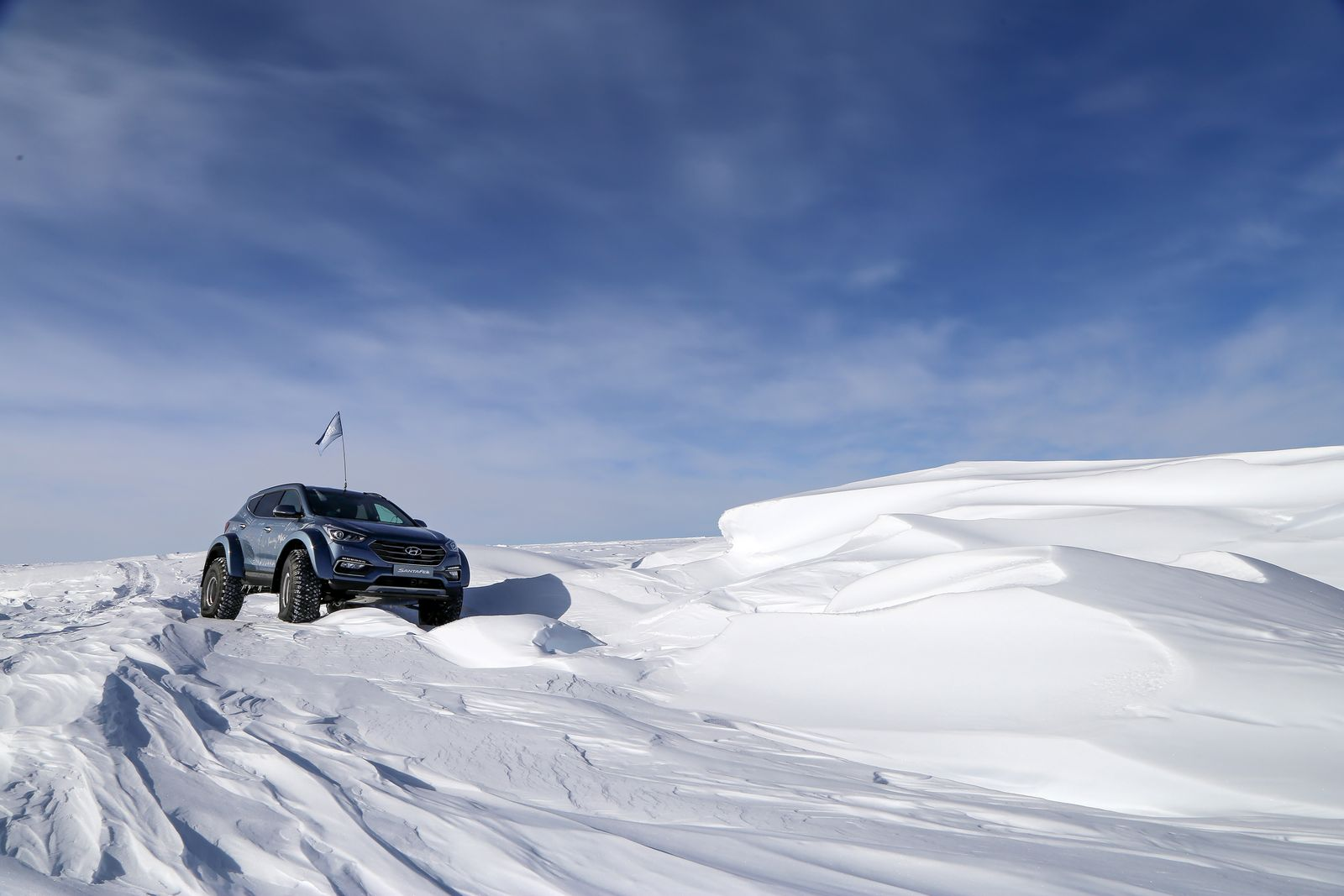 Honda Santa Fe >> Souped-Up Hyundai Santa Fe Drives Across Antarctica | Carscoops