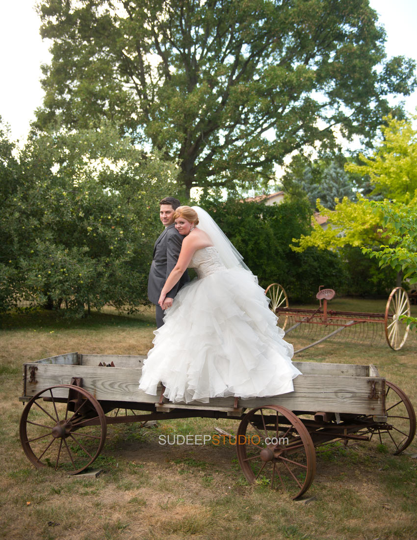 Best Rustic Wedding Photography - Ann Arbor Photographer Sudeep Studio.com