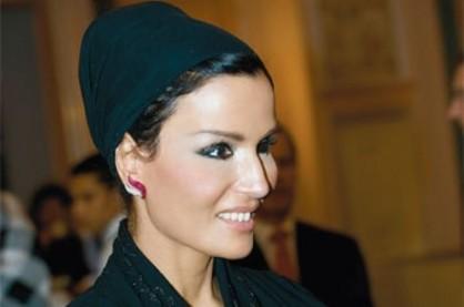 الشيخة موزة تسخر من قرار قطع العلاقات مع قطر