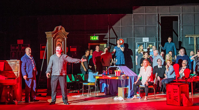 Opera North's production of Leoncavallo's Pagliacci, Autumn 2017 Peter Auty as Canio and Elin Pritchard as Nedda (Photo Tristram Kenton)