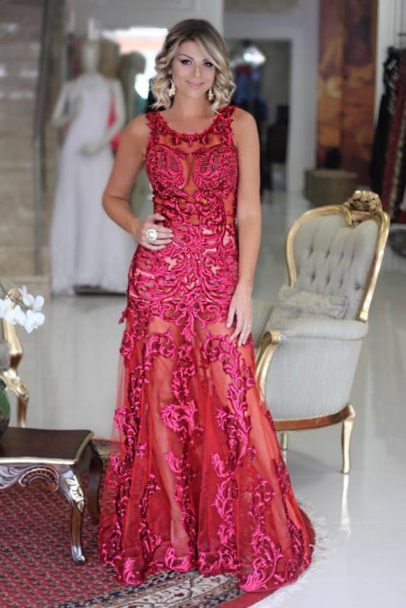 vestido de festa com transparencia