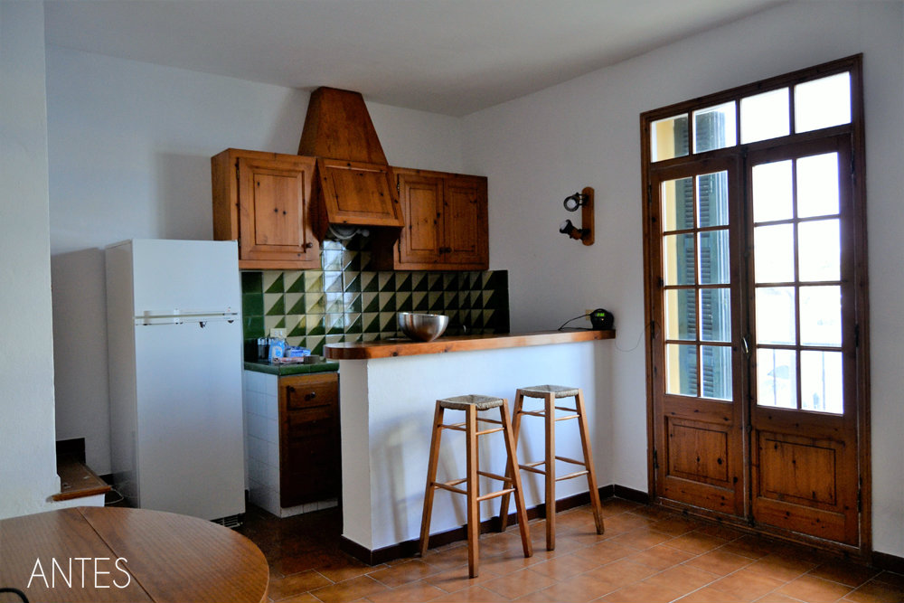 Home staging, antes y después de una cocina abierta, te cuento el paso a paso para ponerla bonita de manera fácil.