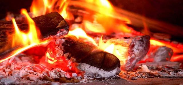 Tanpa Sadar, Anda Telah Jadikan Keluarga Bahan Bakar dari Api Neraka