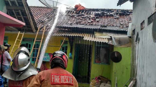 Akibat Korsleting Listrik, Sebuah Rumah di Desa Nanggerang Kebakaran