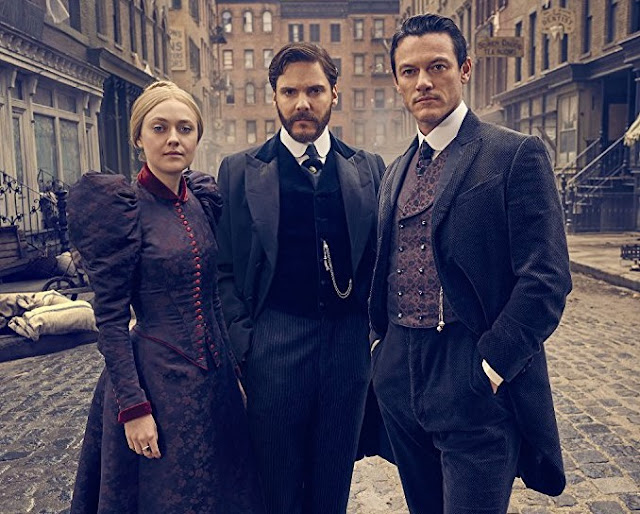 Daniel Bruhl, Luke Evans, Dakota Fanning in The Alienist @Chapter1-Take1.com
