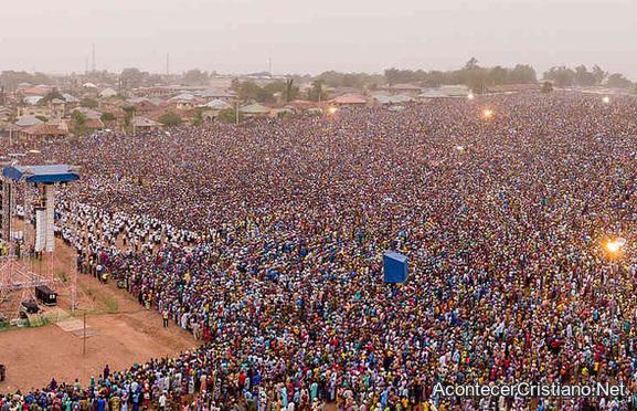 Cruzada evangelística en África