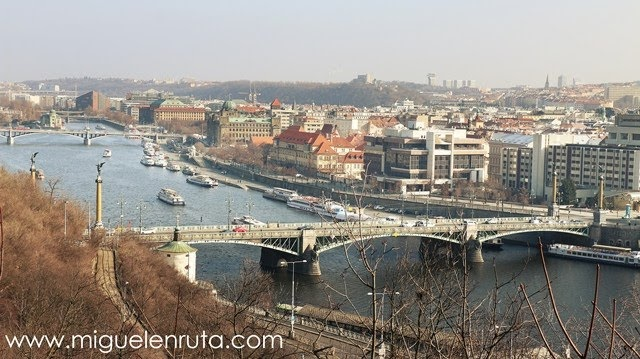 Puente-checo-Praga