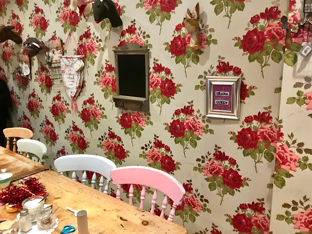 Kitsch Christmas Wreath DIY How To Make - Pretty Things Horsham