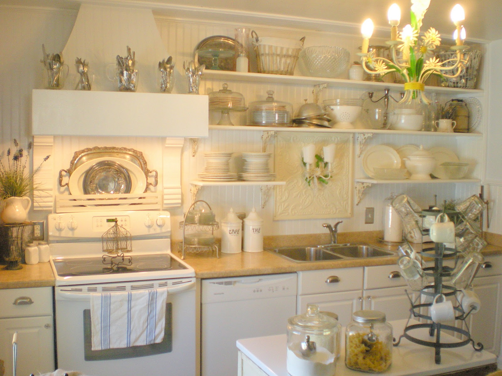 Remodelaholic french farm style kitchen renovation - Objetos de decoracion vintage ...