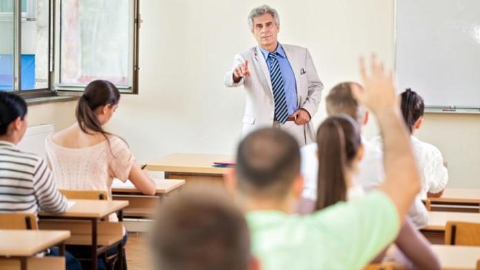 Il professore, lo studente e la fede