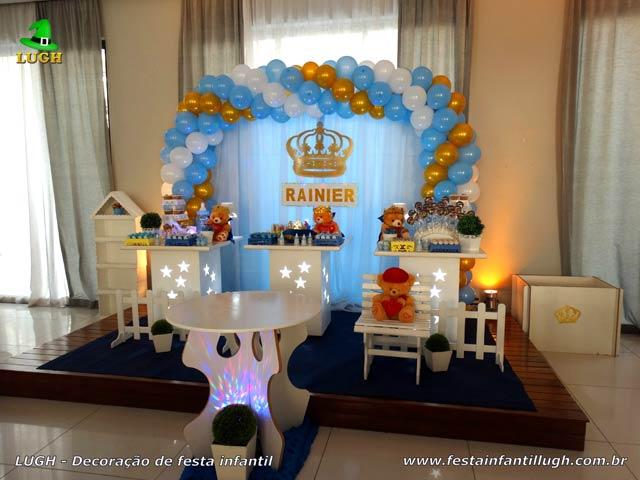 Mesa temática provençal simples para Chá de bebê tema Ursinho rei