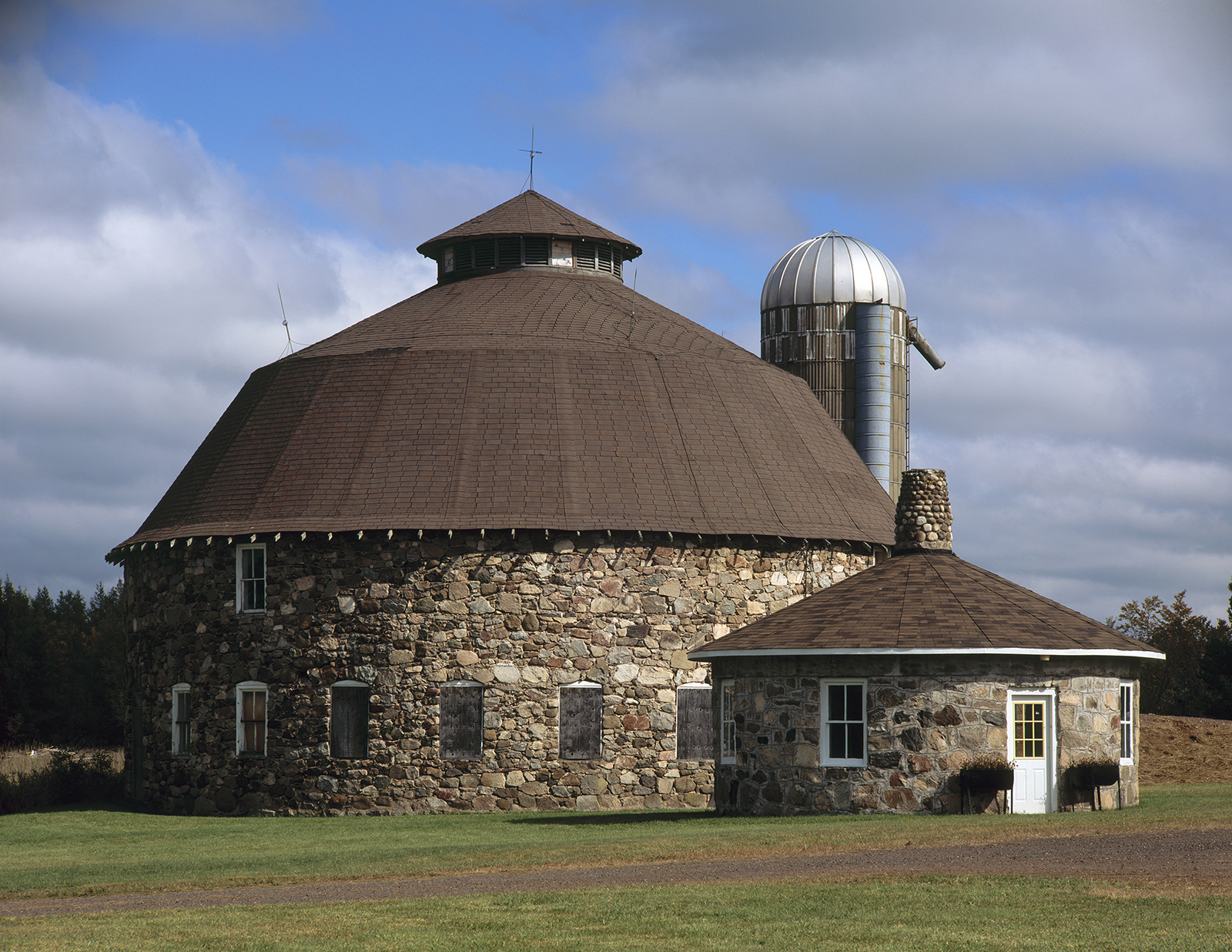In Search Of Perfect Light The Annala Round Barn