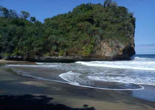 Pantai Pancer banyuwangi