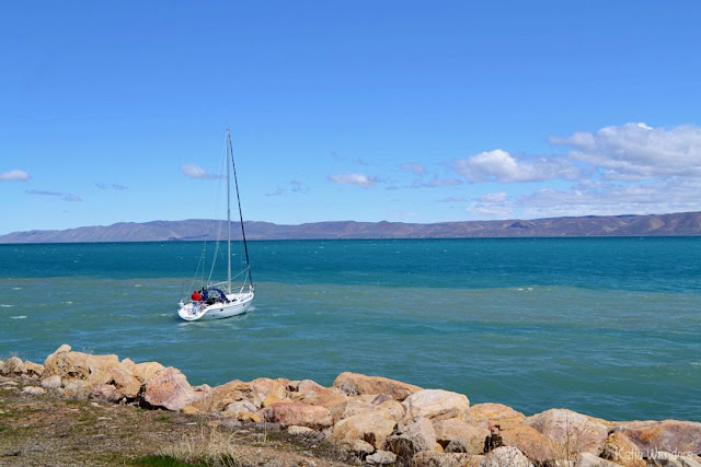 Sailboat leaving the marina at Bear Lake