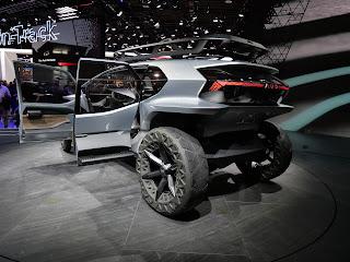 concept SUV - rear