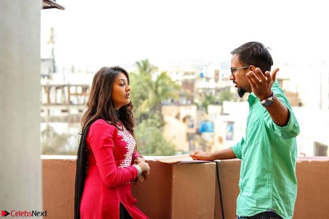 Pooja Jhaveri romancing Vijay Devarakonda in movie Dwaraka (1).jpg