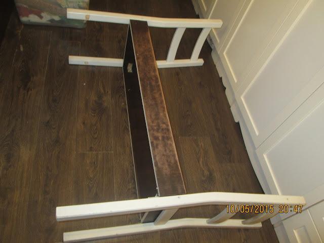 IMG 0369 - בניית ספסל משני כיסאות