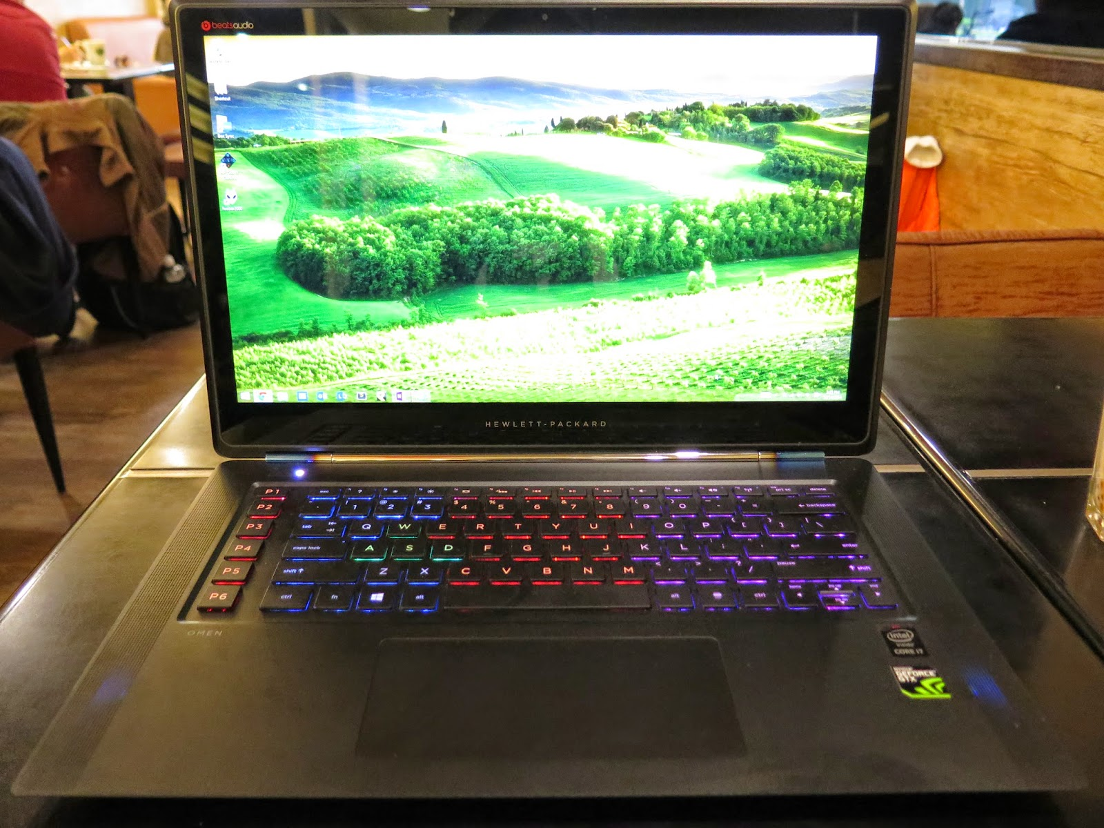 鳥仔的CCCSky~: HP OMEN 15 Gaming Laptop unboxing