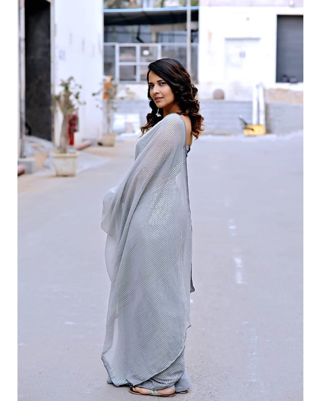 Anchor Anasuya Bharadwaj Looking Elegant Saree Pics