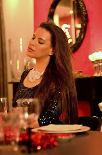 http://tamarachloestyleclues.blogspot.nl/2013/12/sequined-christmas-dinner.html