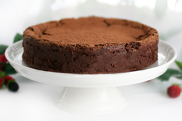 Chocolate Truffle Cake Images : GLUTEN-FREE GODDESS: My Best Gluten-Free Chocolate Dessert ...