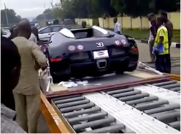 lagos residents in shock as man takes delivery of bugatti veyron worth almost n1billion video. Black Bedroom Furniture Sets. Home Design Ideas