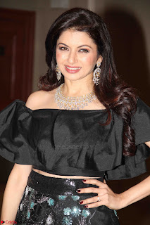 Bhagyashree and Diana Hayden walks the ramp for Mumbai Obstetrics and Gynecological Society Annual Fashion Show 023.JPG