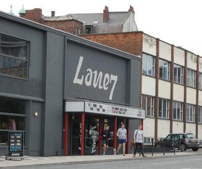 Lane 7: Racing rig exterior