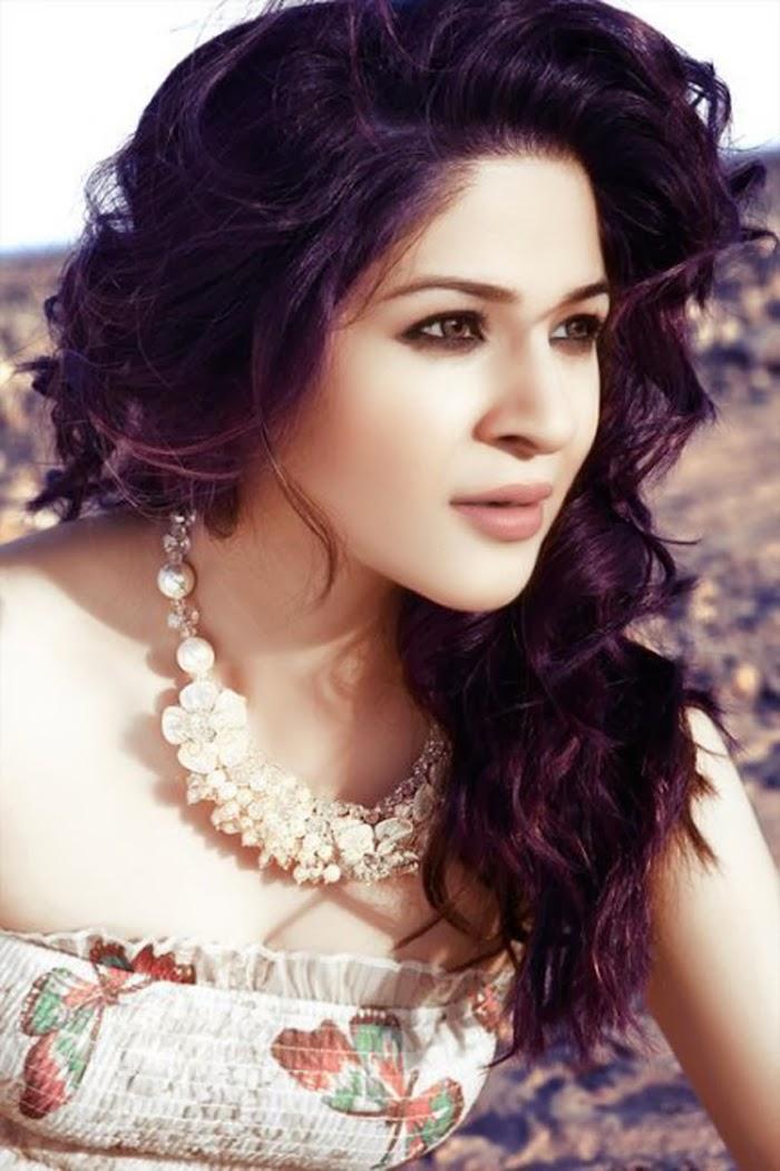 Sonarika Bhadoria Hd Wallpapers Ayesha Omar Free Hd Wallpapers Tv Biography