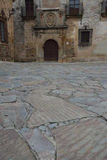 Cáceres plaza de santa María ripple
