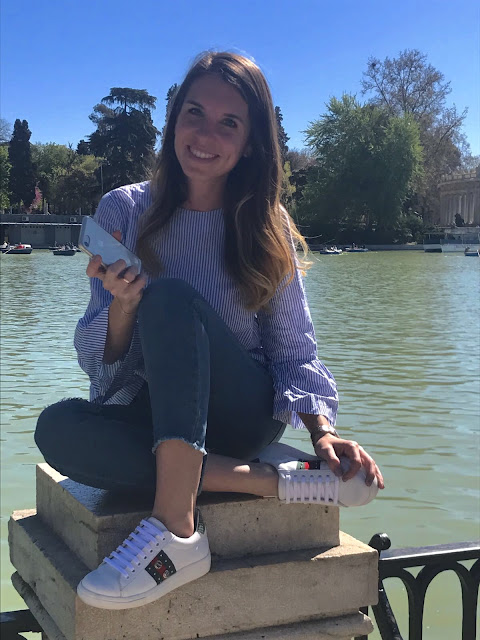Foto de Sneakers mujer made in Spain en El Retiro Madrid
