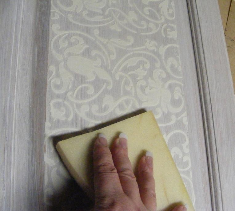 The Mind at Play.: Relief Stencilling Your Kitchen Cabinet ...