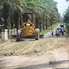 Unsur KPA dan PA Cot Girek Lakukan Penutupan Lobang Jalan Rusak