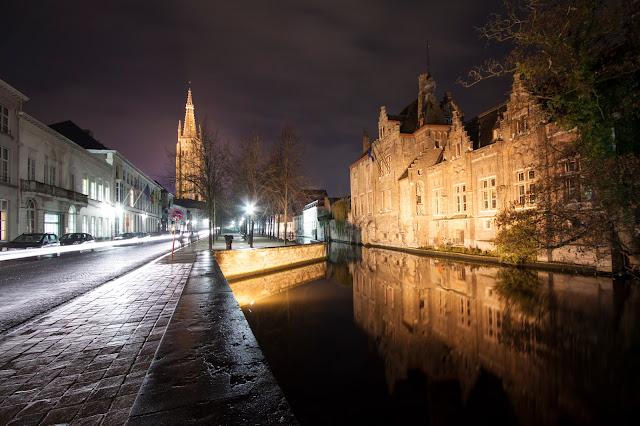 Canali di Bruges verso il Markt-Bruges