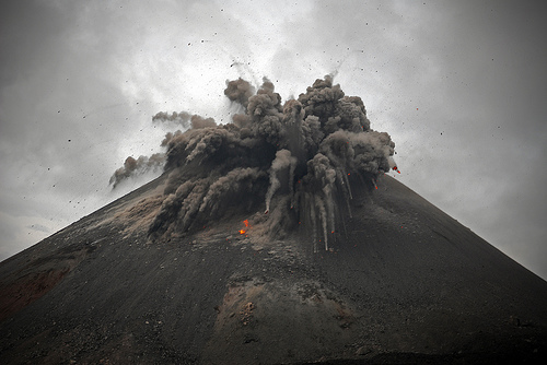 indonesian volcano: When Was The Last Time Krakatoa ...