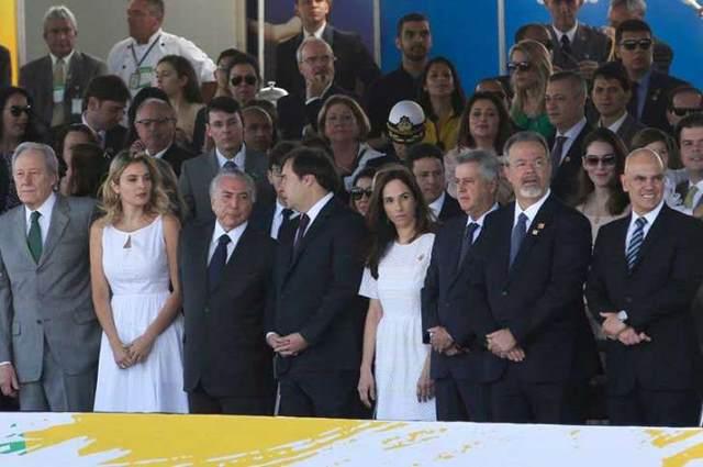 O presidente Michel Temer e a primeira-dama Marcela Temer durante desfile de 7 de Setembro, na Esplanada dos Ministérios Foto: Wilson Dias, Agência Brasil