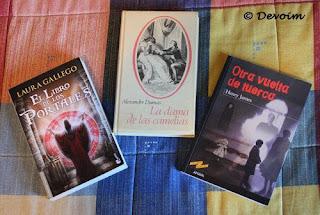 Libros comprados en una librería de segunda mano