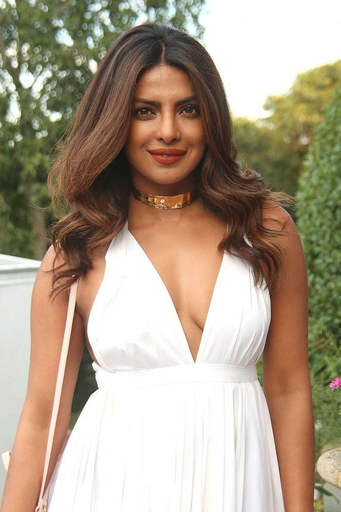 Vẻ đẹp rực lửa đầy cuốn hút của hoa hậu thế giới Ấn Độ Priyanka Chopra - 34